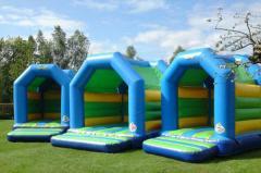 Een luchtkussen huren voor buiten of voor binnen, met of zonder water, voor kinderen of voor volwassenen: wij verzekeren je van een topdag!