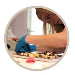 Creatief en Lekker Chocolade Workshop Chocolade Hart met Bonbons