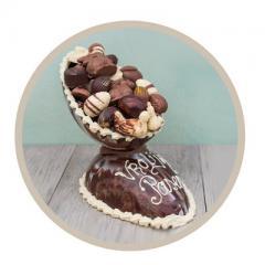 Voor wie écht wil uitpakken met Pasen is er de workshop Paasei de Luxe. Een paasei gevuld met de bonbons en gevulde paaseitjes.