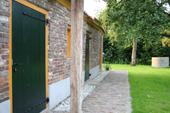 In de oude boerderij is een complete, comfortabele vakantiewoning gerealiseerd