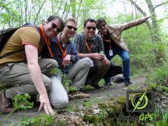 Een intensieve wandeling (zonder GPS) met route, opdrachten met fotoherkenning en raadsels. Er is altijd een winnend team!