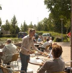 Bij de Spoordonkse Watermolen in Spoordonk ( Oirschot)kan er iedere dag geluncht worden.