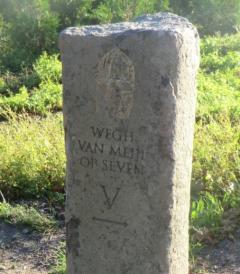 Een historische en educatieve wandel- / fietsroute, gebaseerd op een oude sage van de weg van Meijel naar Sevenum door het Limburgse Peellandschap.