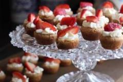 De stijlvolle inrichting en warme sfeer van DE ZOETE GEEST leent zich enorm voor een high tea party.