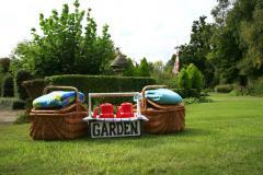 Dit arrangement bevat een dagvullend fiets - en eetprogramma met een natuurlijk - tuin - tintje.