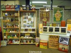 Het EDAH museum laat u terugblikken in de geschiedenis van de Nederlandse detailhandel, het is meer dan alleen EDAH.