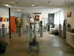 Uitgebreid op de koffie bij  beeldhouwster Jeanne Buijtels. Jeanne ontvangt regelmatig groepen in haar galerie, beeldentuin en atelier Artbest.