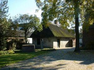 In het grensdorp Goirle (nabij Tilburg ) werd aan de Nieuwe Rielseweg 41 in 1882 een pand gebouwd door Adriaan Stads
