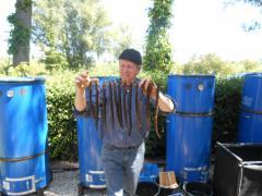 Tijdens deze workshop leer je onder begeleiding van een ervaren palingroker de kneepjes van het ambacht paling roken.