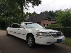 Wanneer u voor een speciale gelegenheid een limousine huurt, moet u er van kunnen uitgaan dat uw wensen uitkomen en de ervaring onvergetelijk wordt.