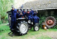 Alle kinderen worden verkleed als boerenknecht en gaan een fantastich leuke middag tegemoet !