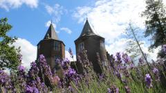 Het kasteel in Dussen is een vertrouwd en karakteristiek beeld;  een prachtig voorbeeld van cultuurhistorisch erfgoed, waar iedereen van kan genieten!