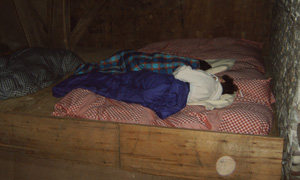 Waar heb je tegenwoordig de gelegenheid, om natuurverbonden en nostalgisch op de hooizolder te slapen.