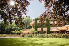 Landgoed Huize Bergen biedt u een stijlvolle locatie voor een feestelijk samenkomen.
