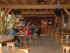 Het eetcafé op ruitersportcentrum Manege Meulendijks biedt u een kleine, wisselende, kaart. Alles wordt vers bereid in onze keuken.