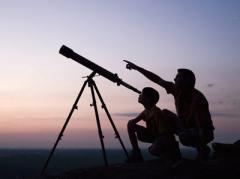 De sterrenwacht is een instelling die zich bezighoudt met sterrenkunde en aanverwante onderwerpen. Groepsbezoek is mogelijk.