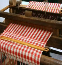 Deze expositie toont veel beeldmateriaal en attributen van de vele textielbedrijven die in Helmond actief zijn of zijn geweest.