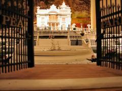 """De maquette van het """"Pea-park"""" is een reconstructie van de voormalige villa van fabrikant Piet de Wit."""