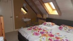 Lekker tussen het groen, vlak bij fietsroutes en Den Bosch hebben we een aantal kamers te huur.