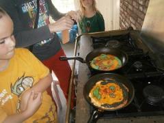 """""""Torenhoge taarten en koddige koekjes"""" In een klein groepje leer je koken."""